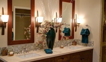 How To Keep Your Bathroom Sparkling Clean