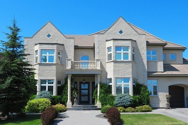 Reasons To Opt For Luxury Homes