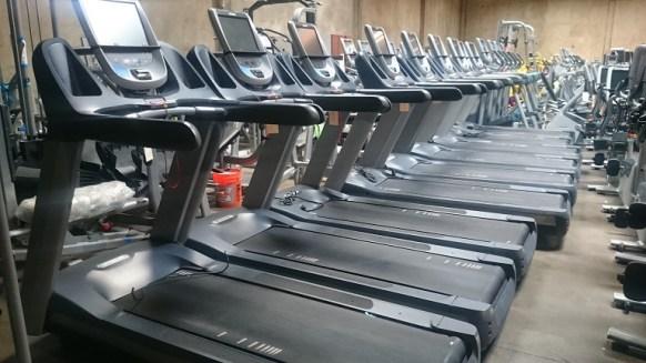 Precor TRM 885 Treadmill 1