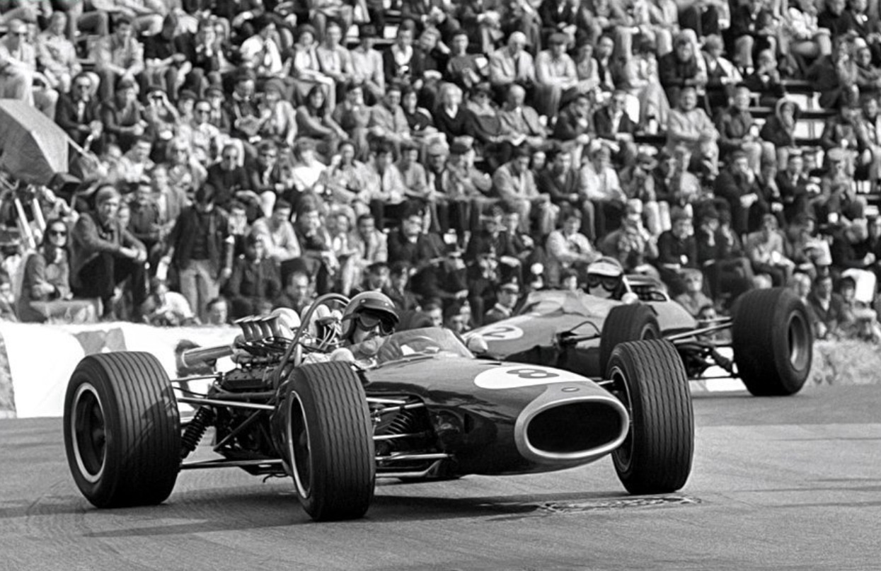 hight resolution of rbe740 powered here ahead of jim clark s lotus 33 climax fwmv 2 litre dnf