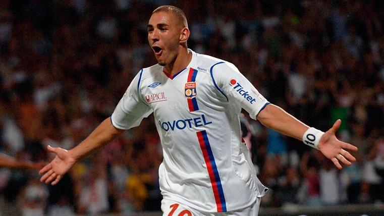Karim Benzema în tricoul lui Lyon. Sursă foto: fcbarcelonanoticias.es