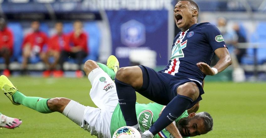 Accidentarea lui Kylian Mbappe. Sursă foto: goal.com