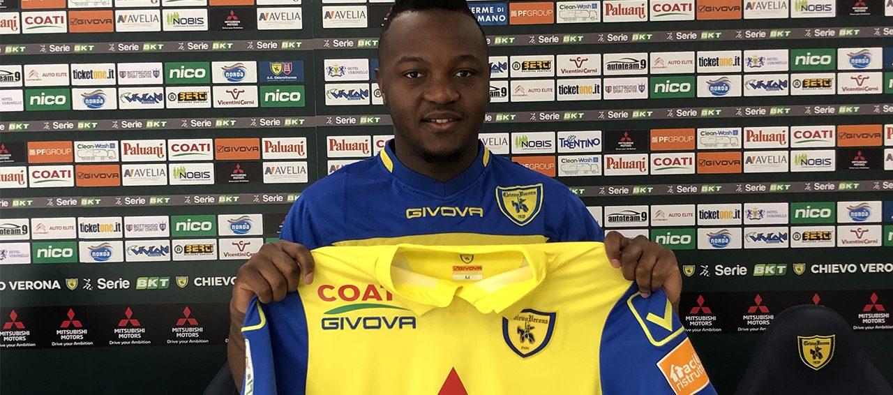 Hervin Ongenda se întoarce în Liga 1. Sursă foto: chievoverona.it