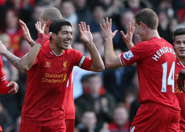 Luis Suarez și Jordan Henderson. Sursă foto: goal.com