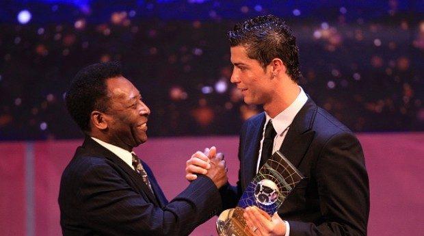 Reacția copilăroasă a lui Pele după ce Cristiano l-a întrecut la goluri. Sursă foto: goal.com