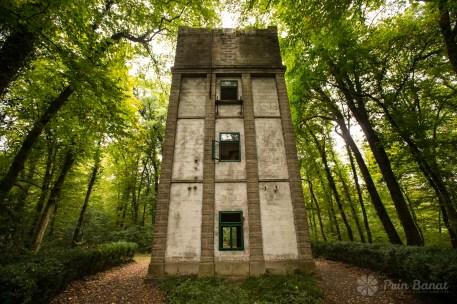 Turnul de apa Bazos