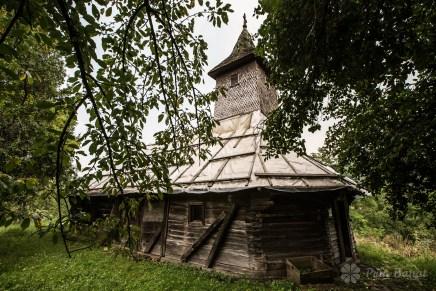 The wooden church of Crivina de Sus