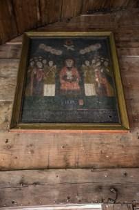 Icoane pictate la 1800 în biserica de lemn din Crivina de Sus