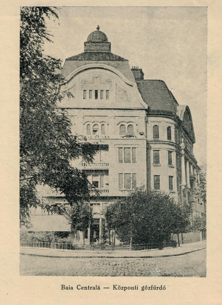 Old photo representing the Neptun (Baths) Palace from Timişoara (private collection of Prin Banat team)