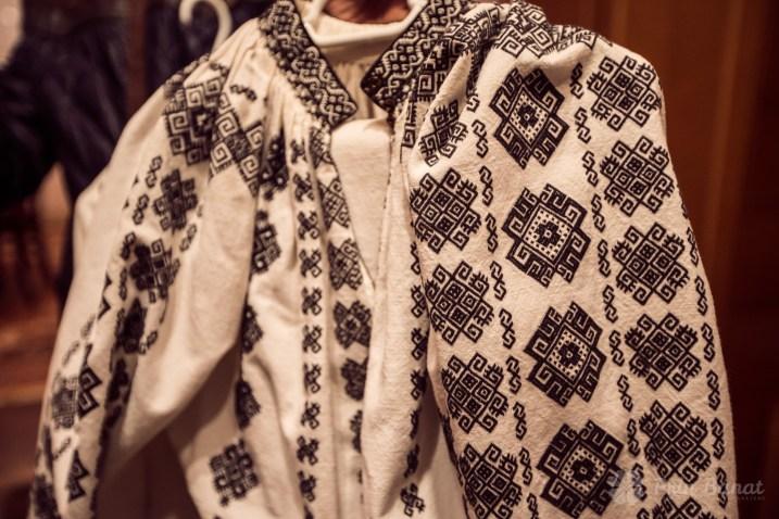 Cămaşă femeiască - Colecţia etnografică Marius Matei