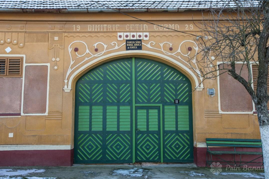 House door in Sârbova