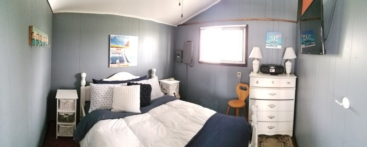 The Sandbanks Beach Cottage - Bedroom 1