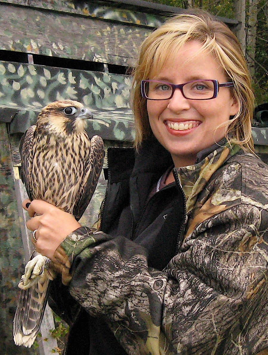 'Birdchick' Stiteler, author and birder, helps Winter Wildlife Festival celebrate 10 years; 'smart phone' birding talk today