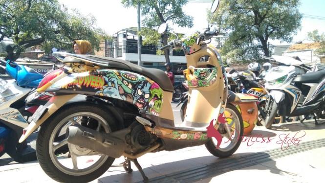 Harga Decal Motor Unik Di Lidah Wetan