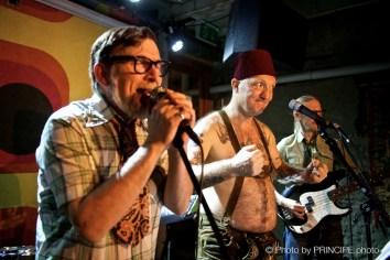 Die Specknockerln @ Café Kairo Gäste Tastenfloh & Reverend Beat-Man © 11.01.2018 Patrick Principe