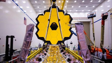 The James Webb Space Telescope Due For December Launch James-Webb-Space-Telescope-CNET-1