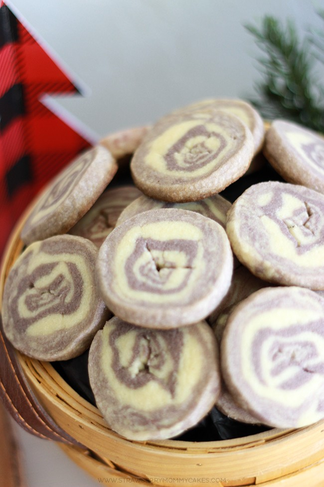 Learn How to Make Wood Grain Sugar Cookies...they're perfect for a lumberjack birthday party!