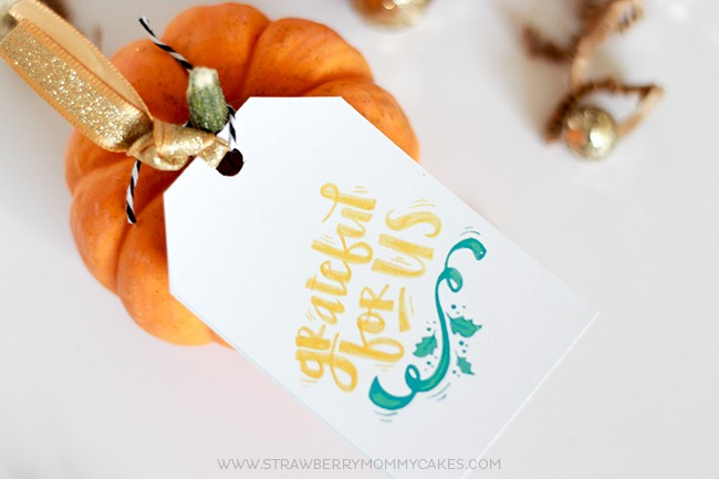"""Show someone you care with these """"Grateful for Us"""" Printable Thanksgiving Gift Tags...Download them for FREE!"""