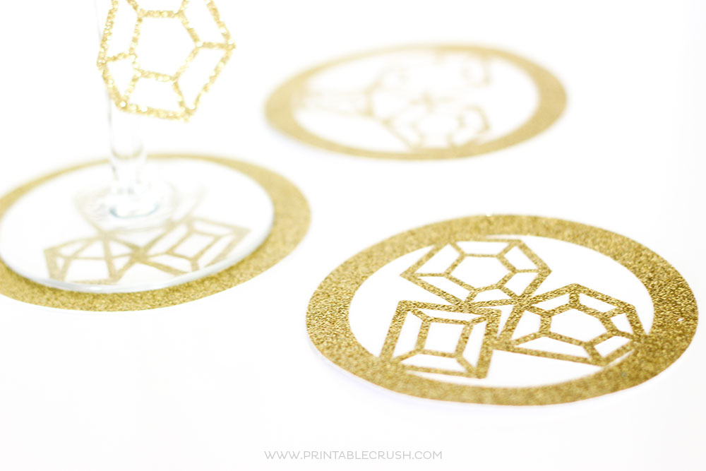 Create some cute coasters and other amazing crafts when you learn to use the Weld Tool in Cricut Design Space! So many possibilities!