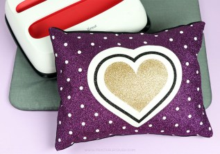 Use the Cricut EasyPress 2 to make these super fun Glitter Iron-On Pillows
