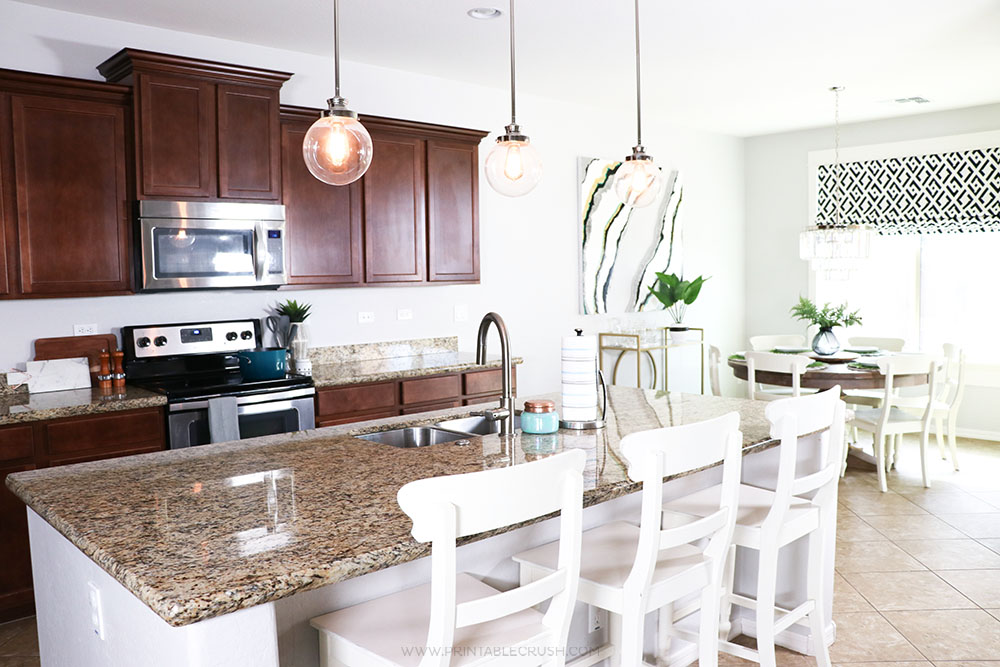 Arizona homes can be very beige - break the mold with these Arizona Home Decor Ideas