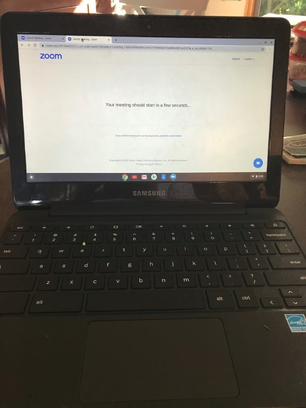 chromebook-open-to-zoom-parents-support-distance-learning