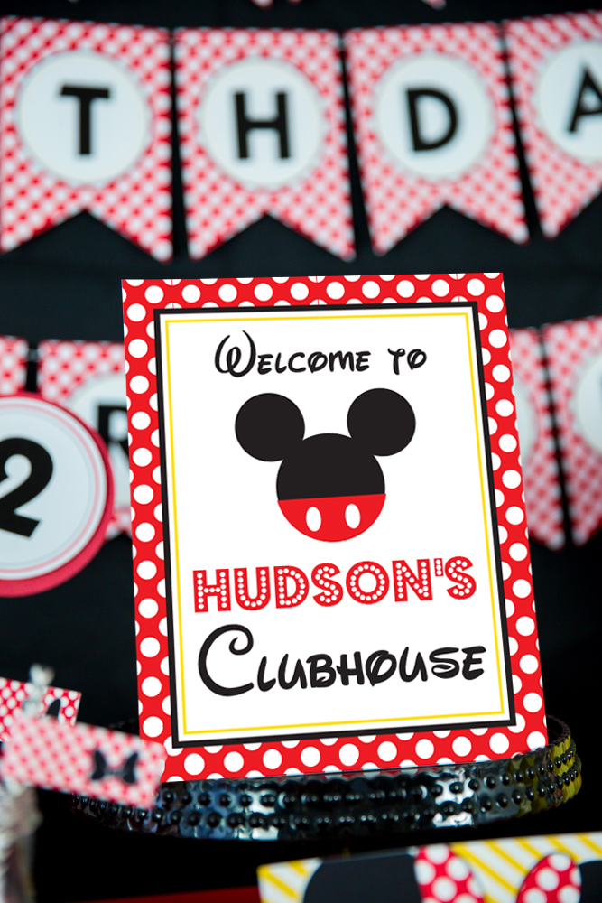 Mickey Mouse Party Decorations And Invitation Set In Red