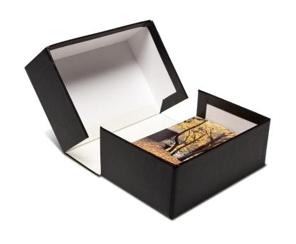 "2.5"" clamshell box with white lining"