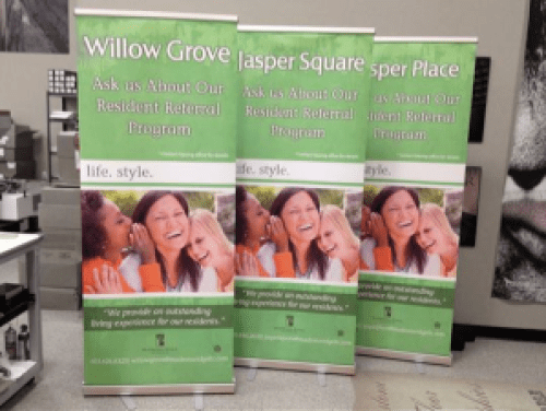 Benefits of Pull-Up Displays, Roll-Up Banners, and More