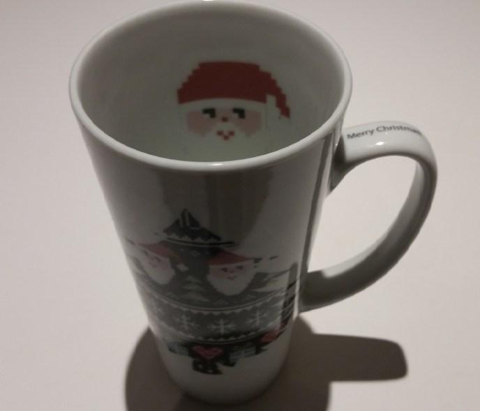 Christmas Santa with printing in mug and on handle merry Christmas web 20151208