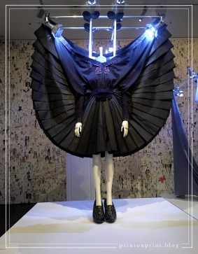 Viktor & Rolf, The Fashion Show ready-to-wear collection, autumn-winter 2007-08. Synthetic silk, cotton, aluminium, glass painted wood, other materials.