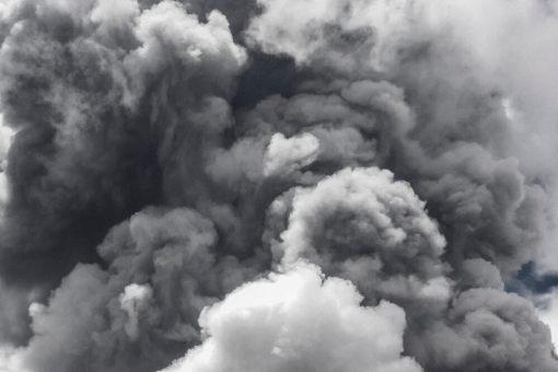 火災後的煙味可以持續數週甚至數個月之久-完整的去除火災煙味步驟