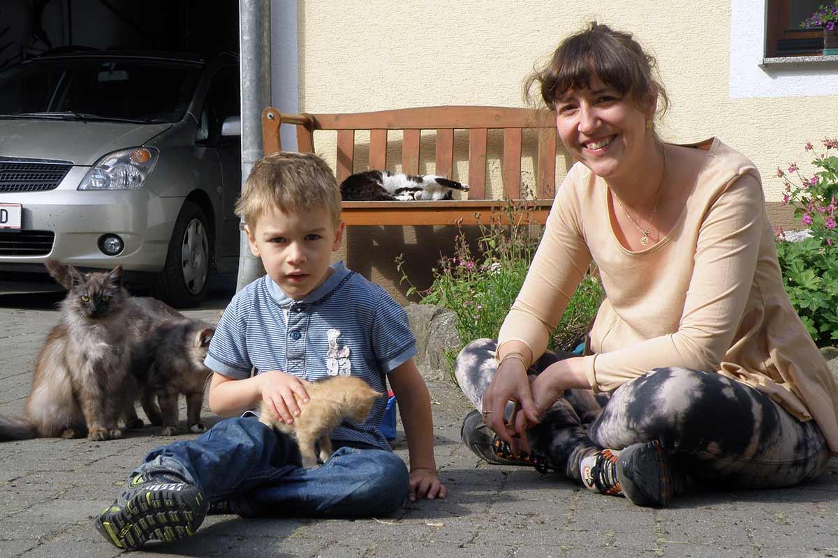 Mit den Katzen am Prinzenhof