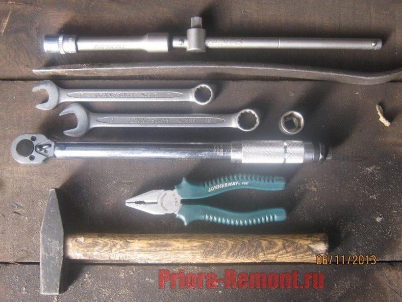 инструмент для замены рулевых наконечников на Приоре