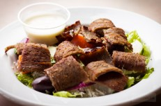 Bananas Grill - Gyro Salad