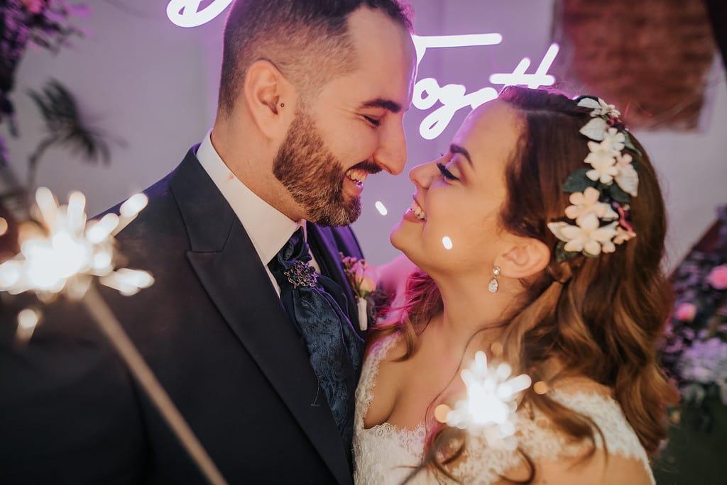 Prisicilla Salazar Wedding Planner Tenerife, novios mirándose felices el día de su Boda