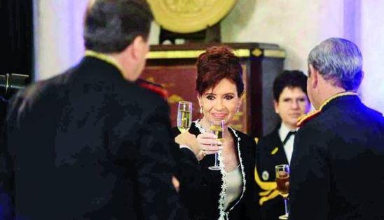Milani y Cristina F. de Kirchner, Champagne sin pizza