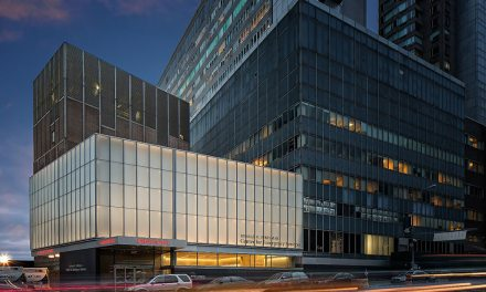Langone Medical Center makes creative use of textured Starphire Ultra-Clear™ glass