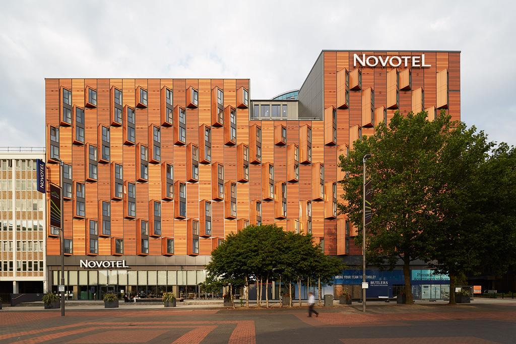 Novotel Hotel, London. Photography © Richard Gooding