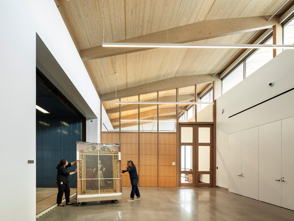 Freight elevator and Corridor inside the the Sarah Campbell Blaffer Foundation Center for Conservation by Lake|Flato Architects. Photograph © Richard Barnes