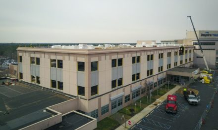 Inspira Medical Center Adds Vertical Expansion with the Help of Sto Panel Technology