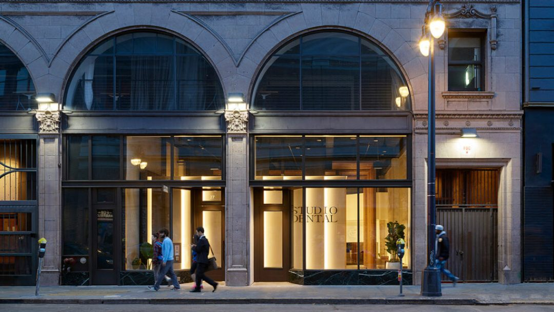 Situated within a rapidly developing neighborhood in San Francisco's financial district, the dentists' brick and mortar location is defined by a modern aesthetic, while honoring the historic elements of the base building. Photo: © Kevin Scott
