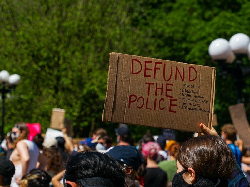defund-the-police_t20_7yOP6Z.jpg