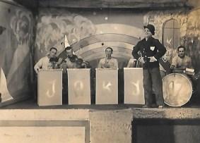 PRISONNIERS DE GUERRE 1942 DU STALAG 6 D DORTMUND chansonnier amateur auguste-perrotte merci à mr yann Perrotte
