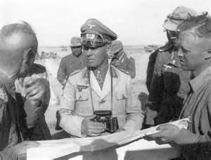 Erwin Rommel, le renard du désert, dont l'armée, battue par les alliés, va remplir les camps de prisonniers en Afrique du Nord