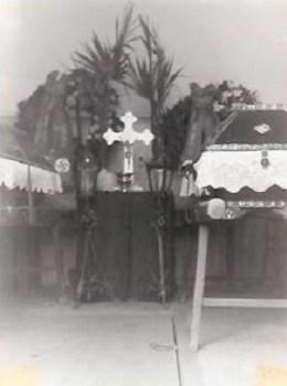 prisonnier de guerre mise en bière  dans la chapelle dans un stalag