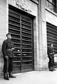 Paris rue chateaudun le siege de la milice
