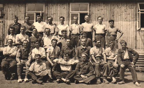 groupe de prisonniers au stalag IV A