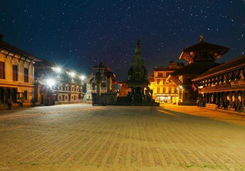 bhaktapur durbar square photo night