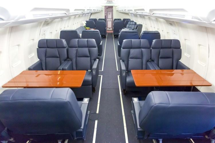 iAero Boeing 737-400 VIP configuration